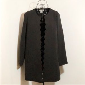 H&M scallop top coat in black